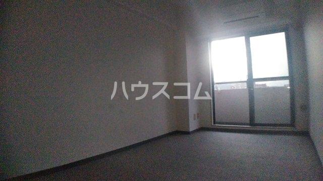 サニークレスト湘南平塚浅間町 705号室のリビング