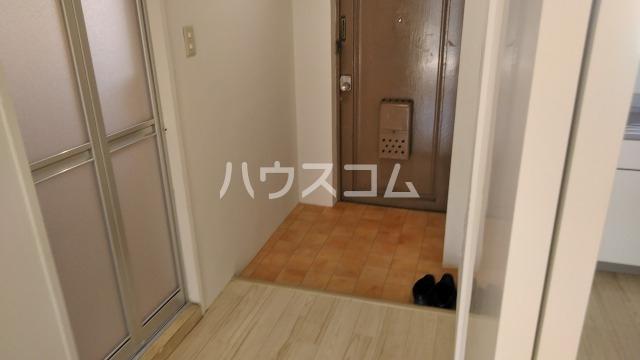 東和ビル 505号室の玄関
