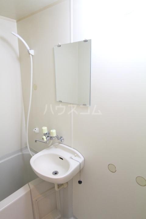 アートビレッジ 1B号室の洗面所