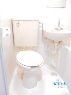 スカイコート品川第6 204号室のトイレ