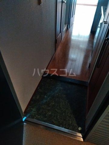 菱和パレス高輪TOWER 405号室の玄関