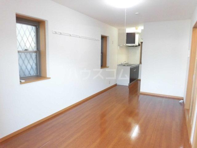 グレイスコート 201号室の居室