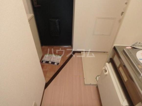 アーク雪ヶ谷 102号室の玄関