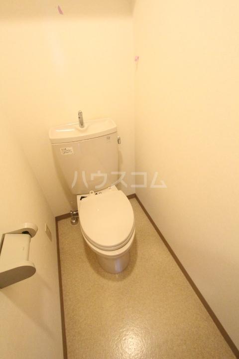 クレセントヒルズ 405号室のトイレ