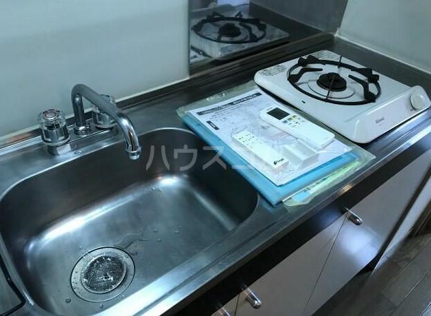 菱和パレス高輪台 201号室のキッチン