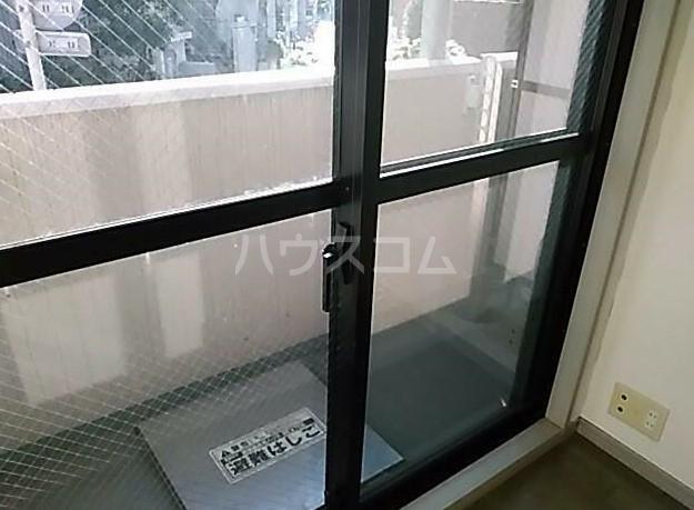 菱和パレス高輪台 201号室のバルコニー