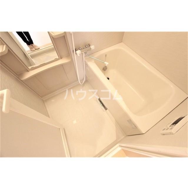 ソシア・ルーチェ 303号室の風呂
