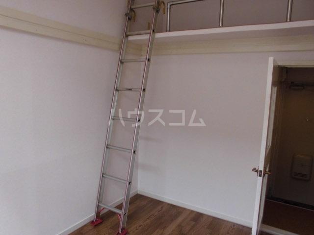 コスモ21梅坪Ⅱ 201号室の玄関