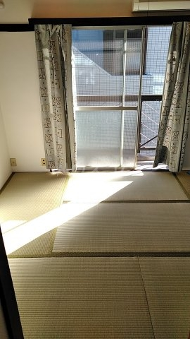 北川ハイツ 303号室の居室