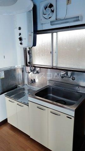 北川ハイツ 303号室のキッチン