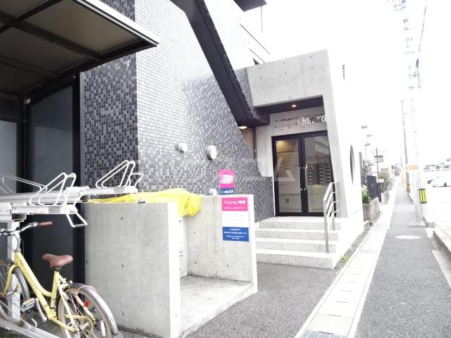 PARQUE HIMORI 206号室のエントランス