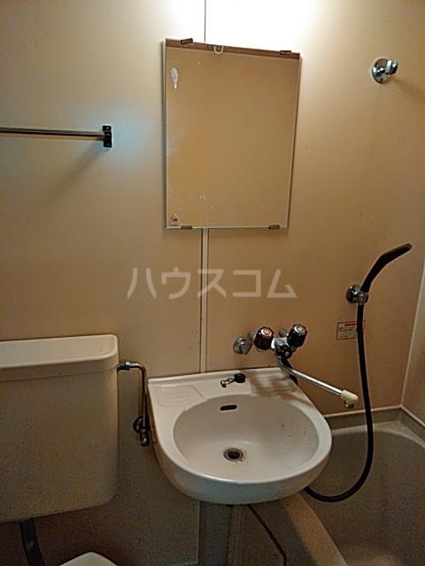 フリージア 105号室の洗面所