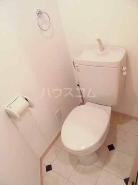 レザンヴィーゼ 101号室のトイレ