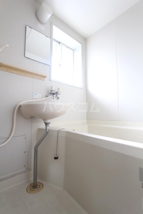 シャーウッドMI 203号室の風呂