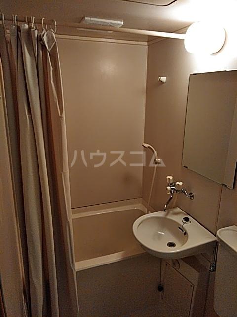 アサヒハイツ 102号室の洗面所