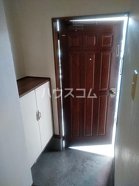 アサヒハイツ 102号室の玄関