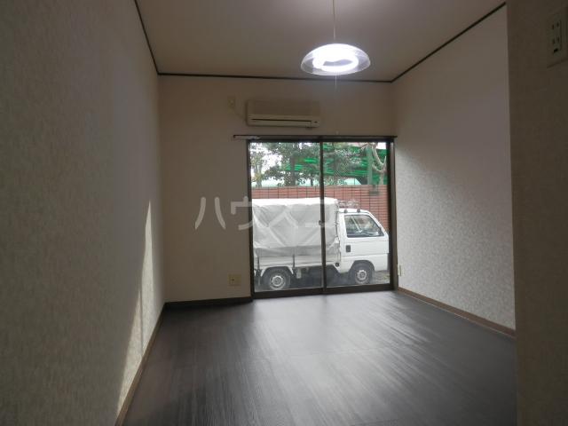 アサヒハイツ 102号室の居室