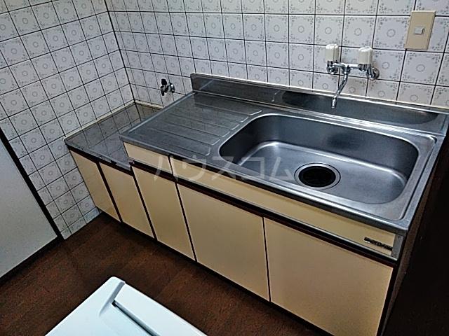 アサヒハイツ 102号室のキッチン
