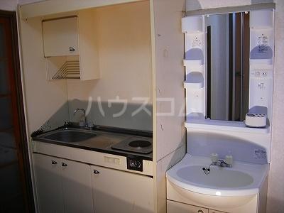 ドミールKEI 1B号室の洗面所