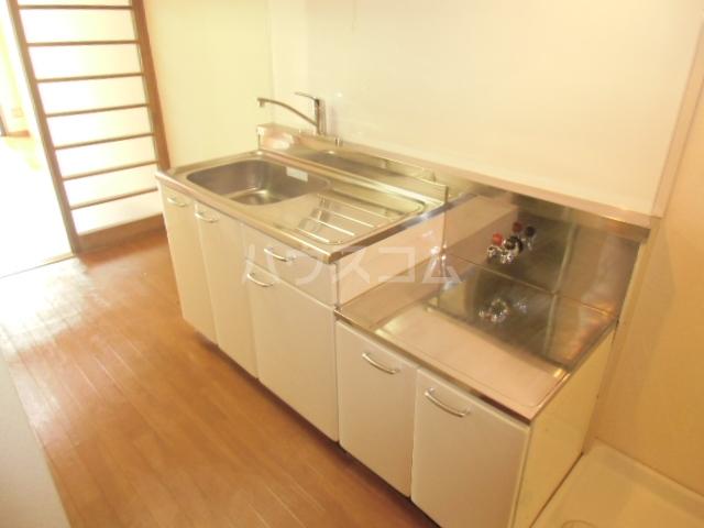 第5オカダビル 603号室のキッチン