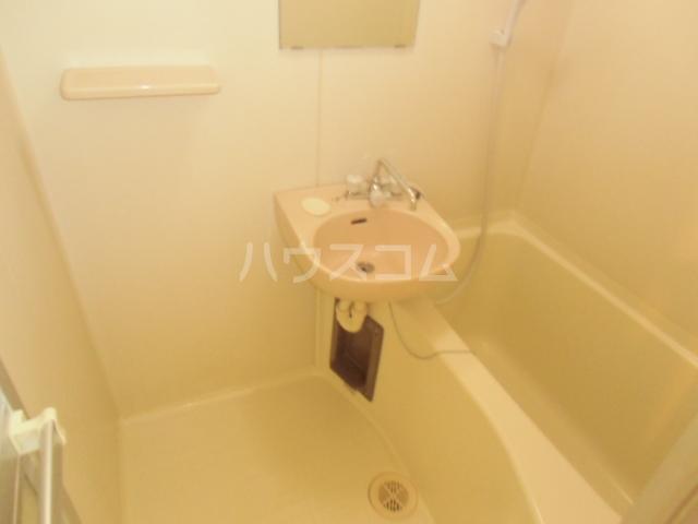 第5オカダビル 603号室の風呂