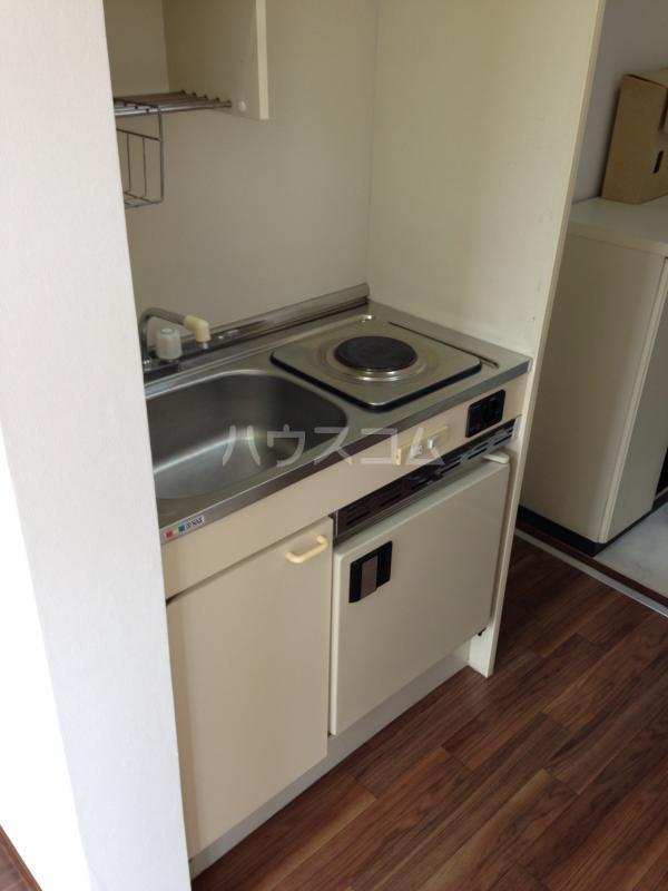 メゾン桑田パートⅡ 203号室のキッチン