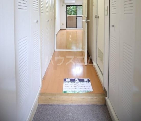 ライオンズマンション雪ケ谷 203号室の玄関