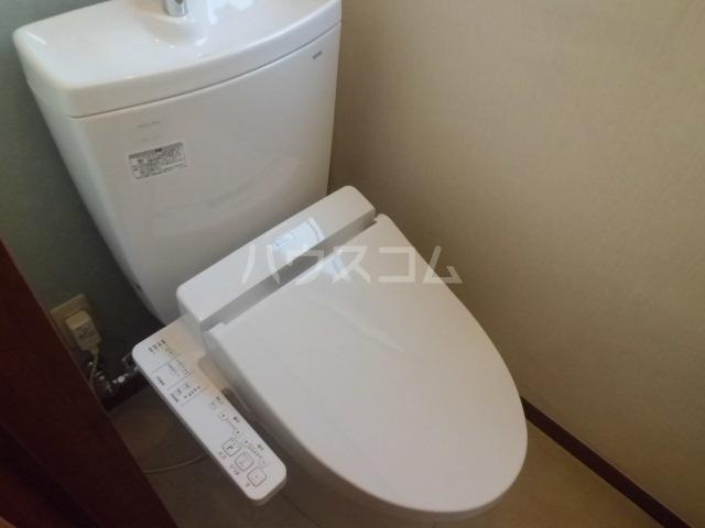 新井ビル 303号室のトイレ