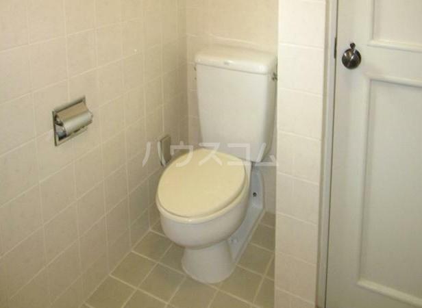 アパートメント雪谷 102号室のトイレ