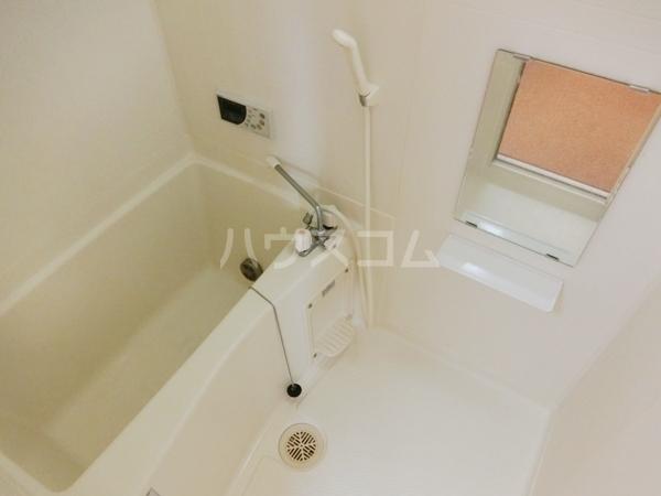 ランドマーク西町 2F号室の風呂