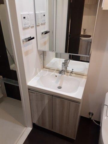 アルテシモ ピトレ 902号室の洗面所