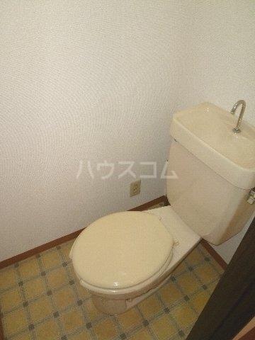 メゾンウォリア 102号室のトイレ