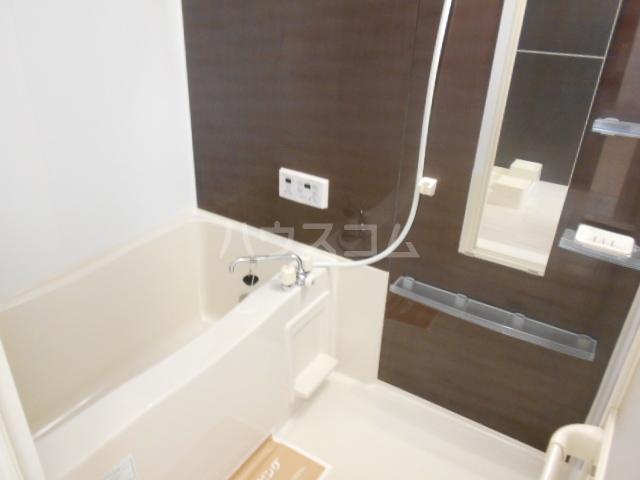 クリーンリバー小坂 101号室の風呂