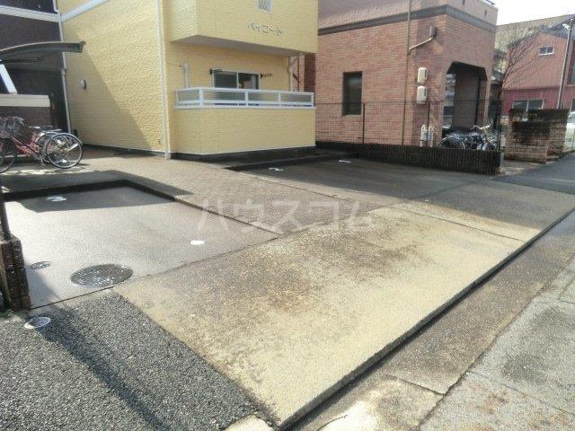 ベイコート 101号室の駐車場