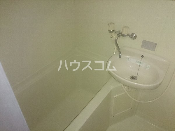 アップル春日井 206号室の風呂