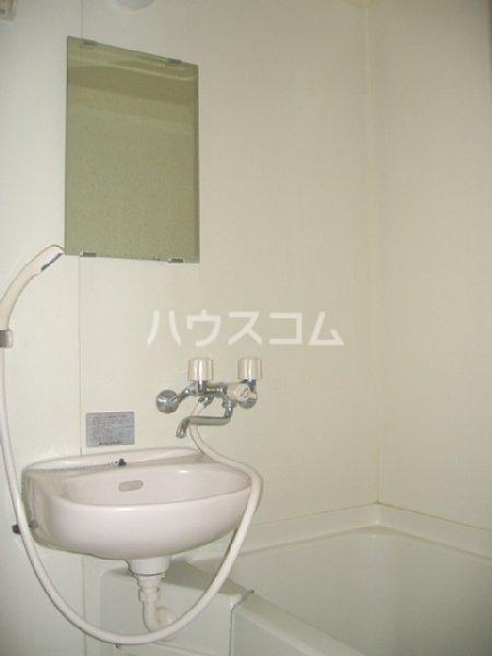 アップル春日井 208号室の洗面所