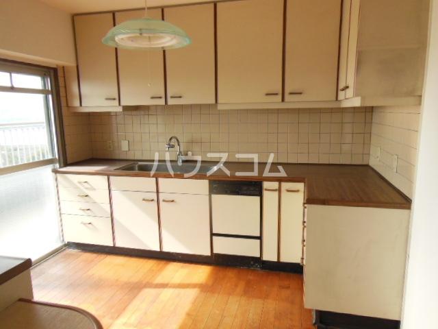 サンシティパークヒルズ秋葉台 801号室のキッチン
