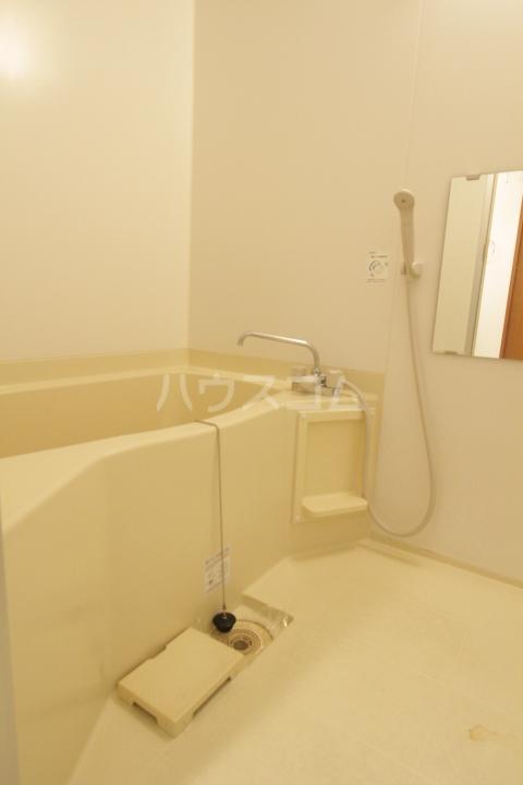 コンフォート梅村 102号室の風呂