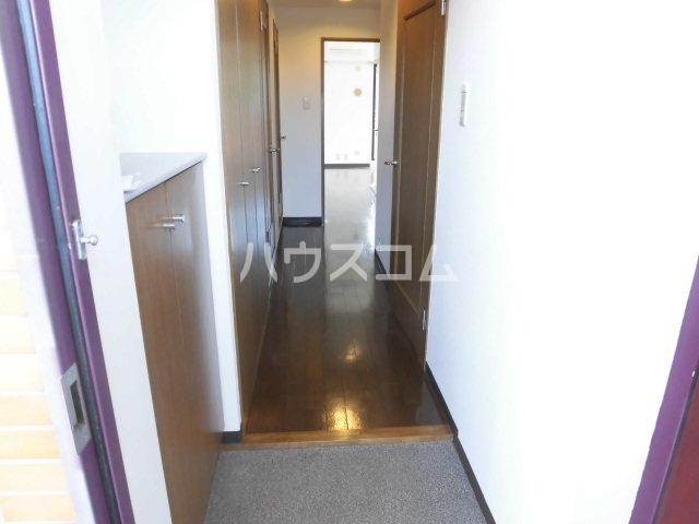 メゾン土呂第1 201号室の玄関