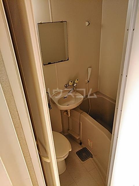 ハイドアウト園 102号室の風呂