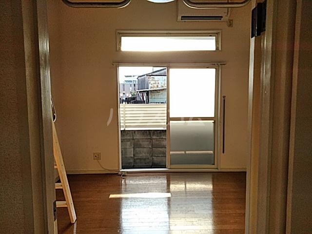 ハイドアウト園 107号室のベッドルーム