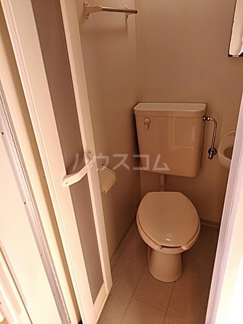 ハイドアウト園 204号室のトイレ