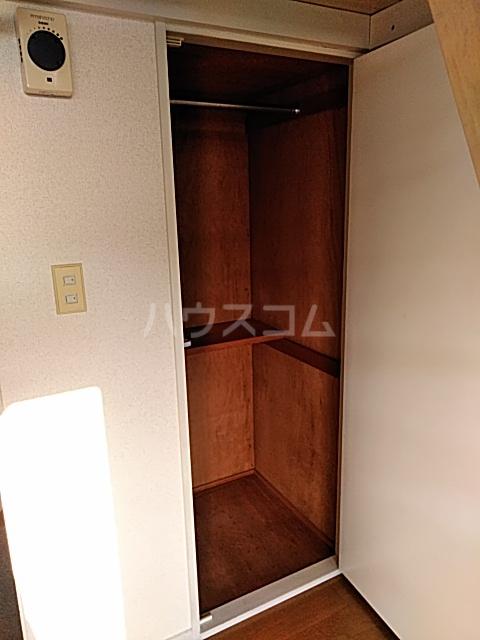 ハイドアウト園 204号室の収納