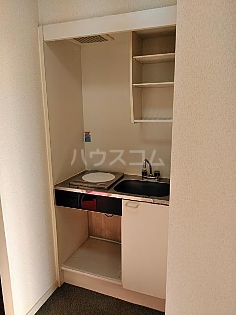 ハイドアウト園 207号室のキッチン