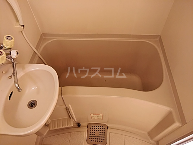 ハイドアウト園 207号室の風呂