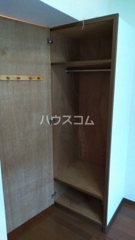 レックスイナミⅢ 202号室の収納