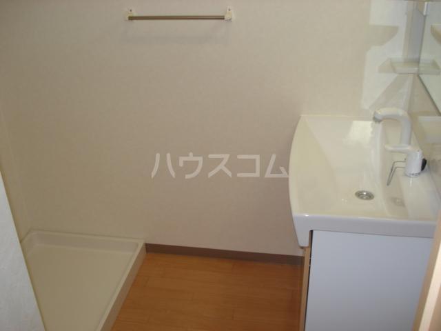 パサニアコート 107号室の洗面所