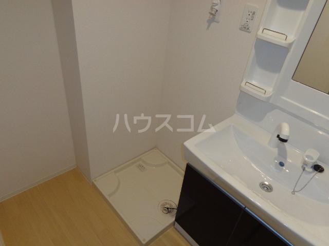 ひなた 106号室の洗面所