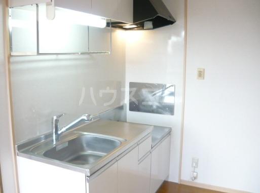 レイクシティA 02020号室のキッチン