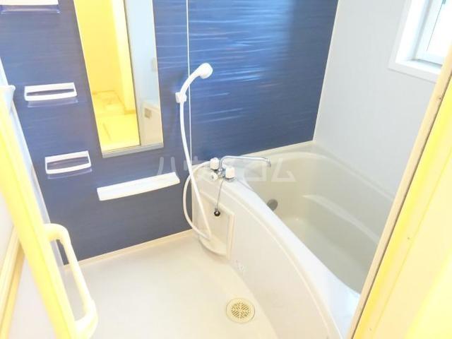 スィーニ 02010号室の風呂